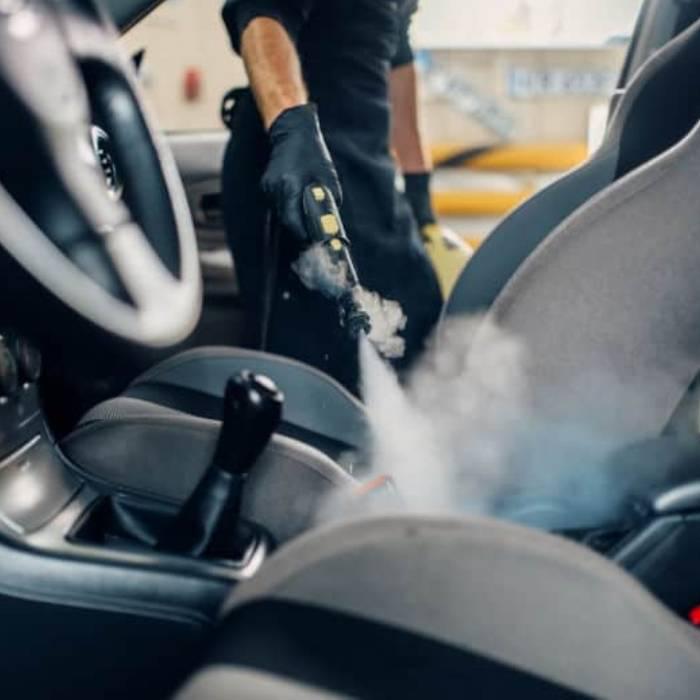 Araba buharlı koltuk temizleme